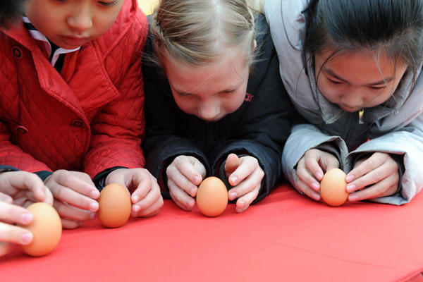 Kids Balance Eggs